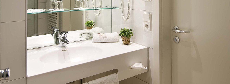 Doppelzimmer Superior Badezimmer - Landhotel Alte Mühle Ferienregion Nördlicher Bodensee